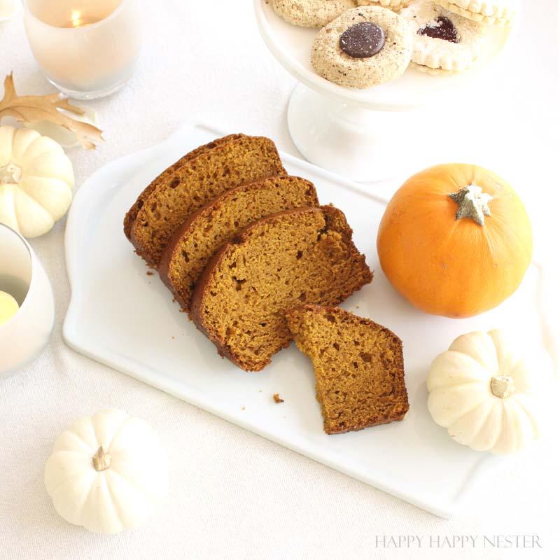 Such an easy and delicious Pumpkin Bread Recipe! It taste a lot like Starbuck's pumpkin bread!