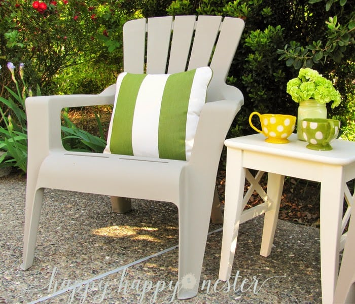 Annie sloan chalk paint and plastic outdoor chairs happy happy nester Painting plastic garden furniture