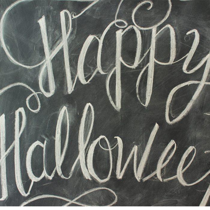 halloween-wreath-chalk