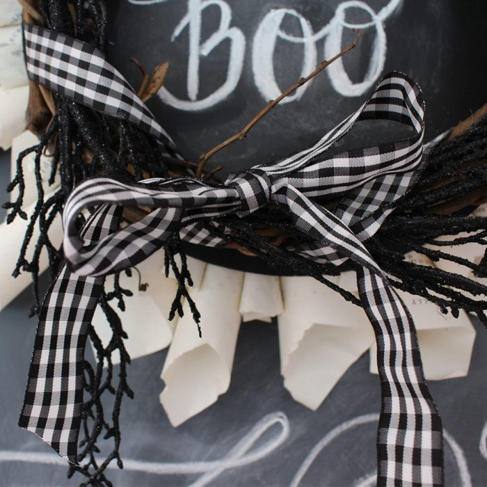 halloween-wreath-ribbon