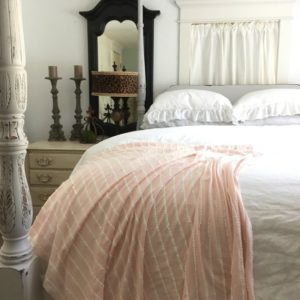 linens-hallstrom-giveaway-throw