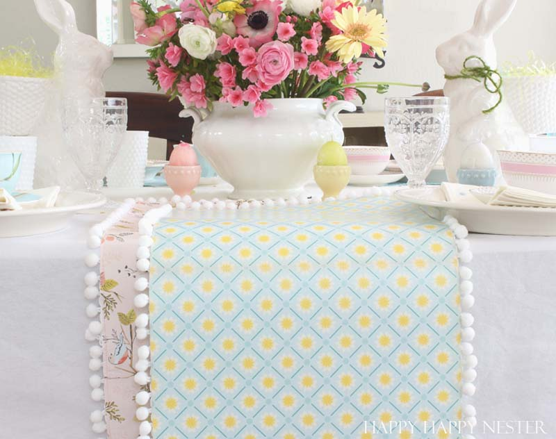 paper table runner diy