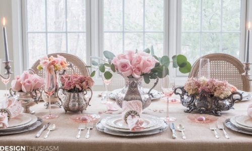 I have rounded up10 Valentine's Day Table Decorations for you. So many different ideas that you'll find one that you'll want to recreate! #DIY #crafts #Valentines Day #flowers #holidays #valentinesdayideas #holidaytables #valentinesdaytabledecor #valentinesdaytable #decor