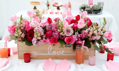 10 Valentine\'s Day Table Decorations - Happy Happy Nester