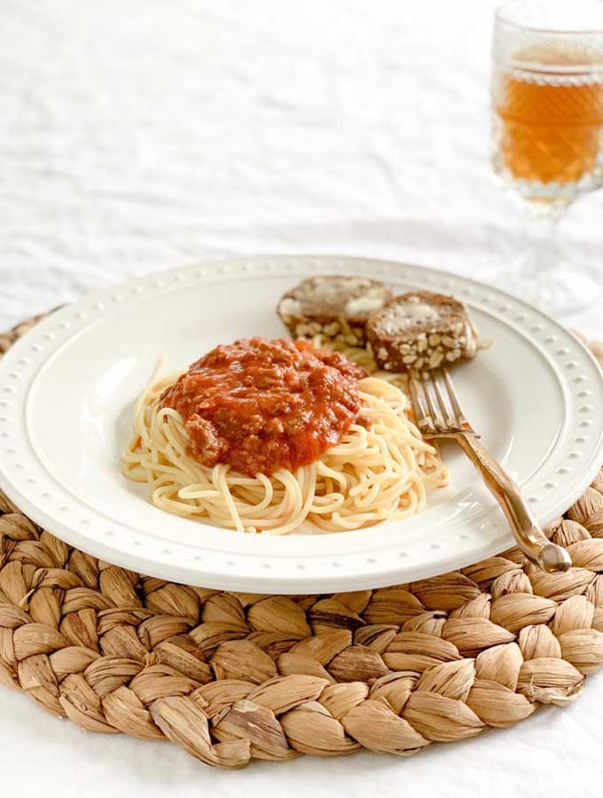Tom's Famous Spaghetti Sauce with Bolagnase meat. Tried and True Favorite Dinner Recipes are always the best. You know that these dishes will be tasty since they are family favorites. All these recipes are comfort food that we love. They are absolutely our best recipes. #comfortfood #recipes #dinnerrecipes #dinner #cooking